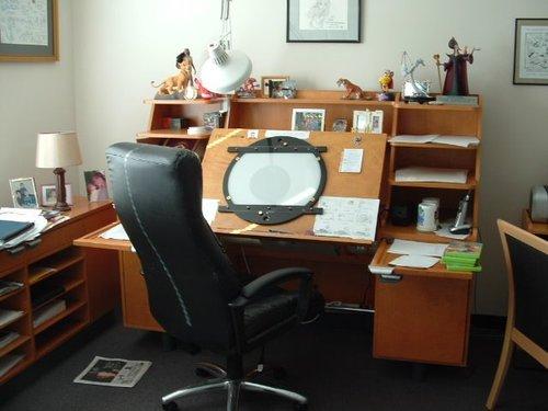 Animation Desks Disney Desk 002